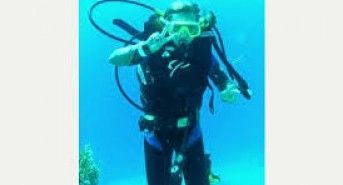 10-year-old in the UK qualifies as scuba diver