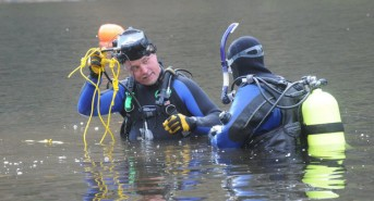 US Divers map submerged train wrecks in Delaware River