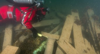 Canadian search team consider 'winter dive' to explore Erebus wreck