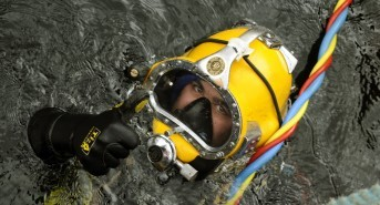 What Background Best Suits a Career as a Commercial Diver?