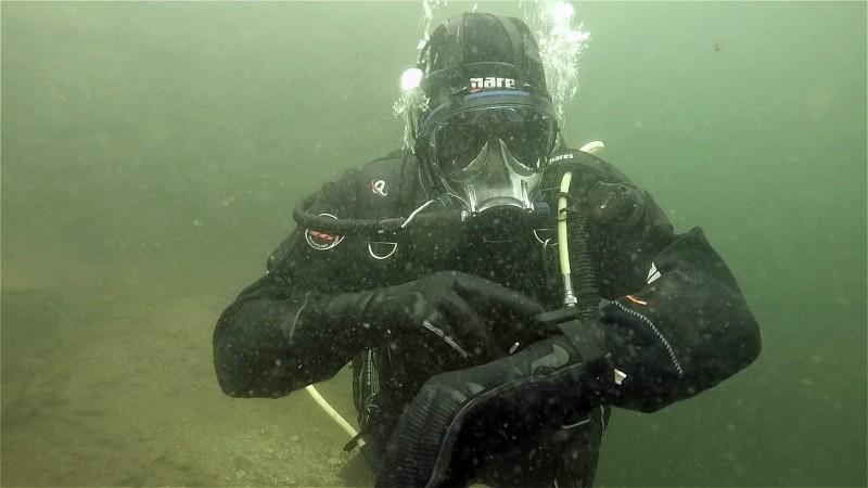 Scuba Diving Equipment Review: Deepblue Cosmiq+ Dive Computer (Watch Video)