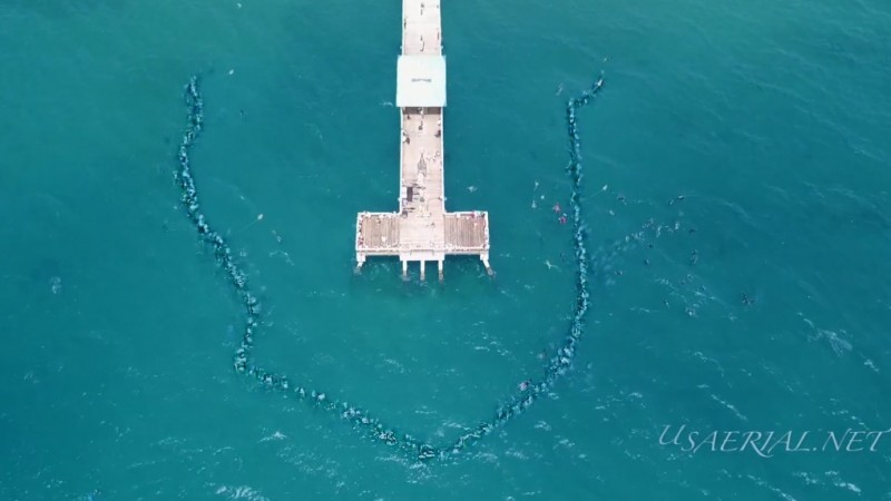 New Guinness World Record for Longest Underwater Human Chain