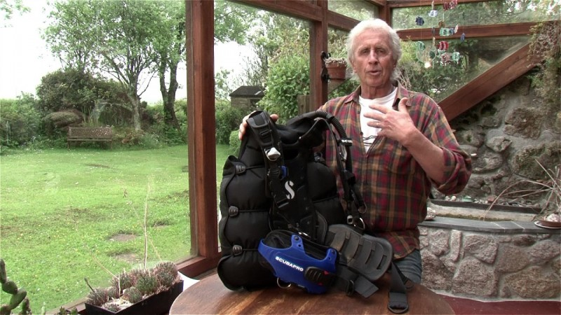 Scuba Diving Equipment Review: Scubapro Hydros Pro BCD (Watch Video)
